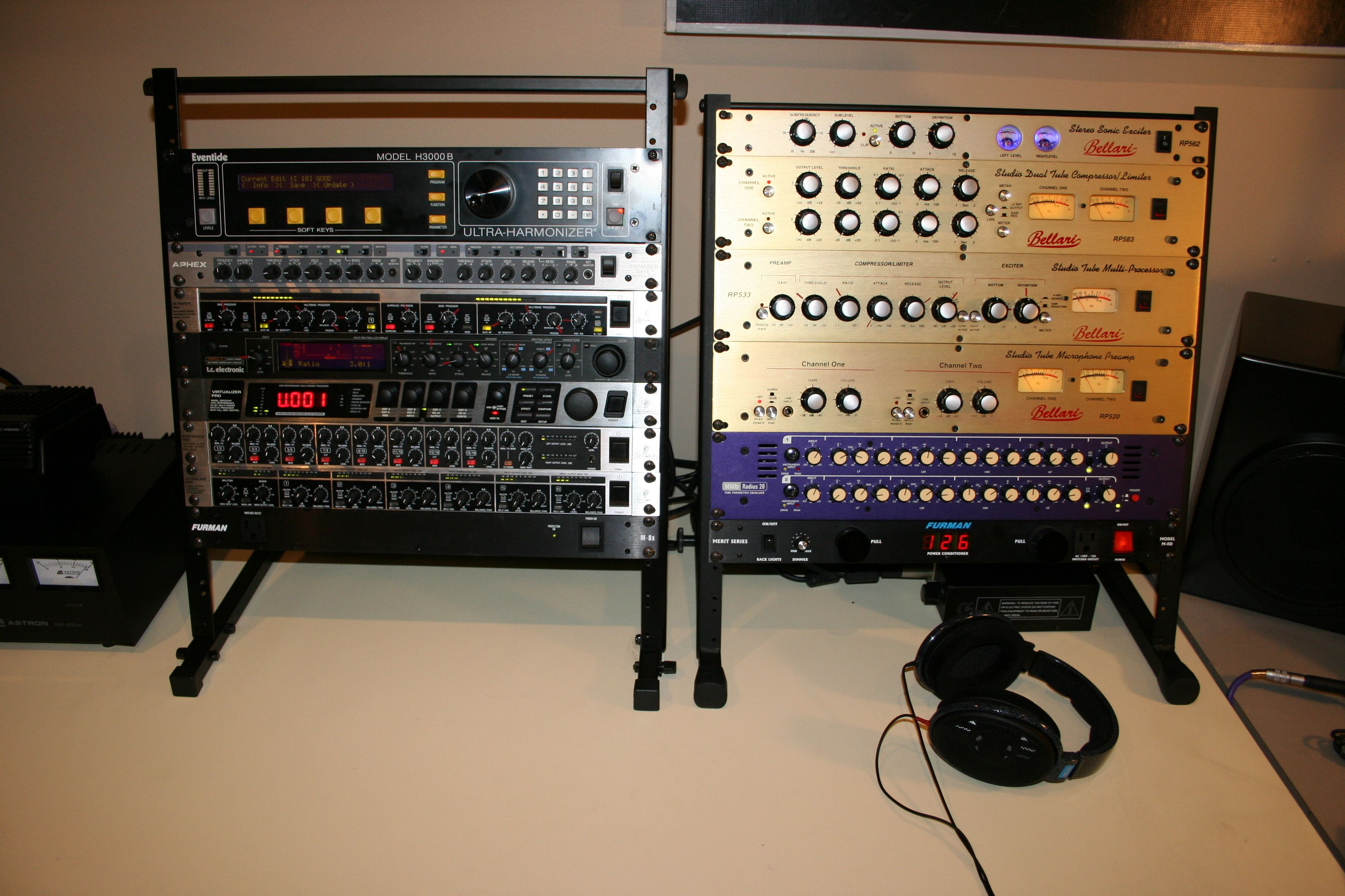Here's the KC9MSI Voodoo Rack!